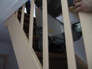 eVita - transportwagente loopt trap - detail